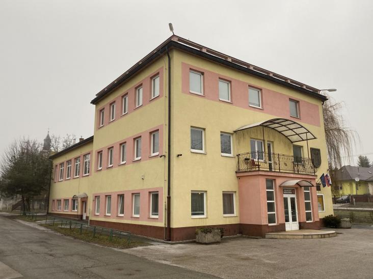 Budova úradu Poľov - začiatok rekonštrukcie 01/20