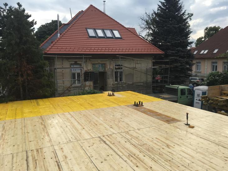 Pohľadový betón-debnenie stropu